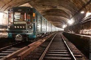 Двух сотрудников московского метро обвиняют в деле по аварии