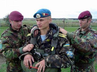 Украинские силовики перебазировались на окраины Мариуполя
