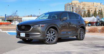 Блогер выяснил, почему стоит покупать Mazda CX-5: «Придраться не к чему»