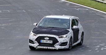 «Заряженный» хэтчбек Hyundai Veloster N заметили на тестах