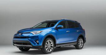 Toyota RAV4 назван самым доходным кроссовером в России