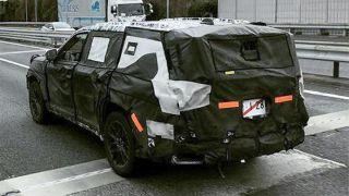 Toyota Land Cruiser 300 на тестах. Фото: CarsGuide