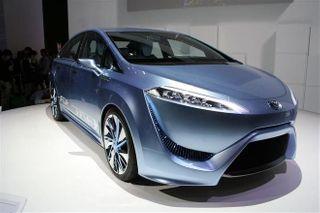 Toyota начнёт выпуск водородного автомобиля в декабре 2014 года