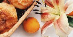 Жареные пирожки с абрикосами на бездрожжевом тесте