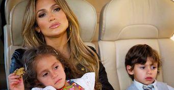 Дети привыкают к«новым папам»: Дженифер Лопес посвятила свою жизнь молодым любовникам