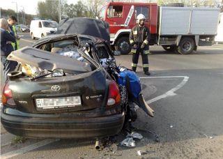 На Выборгском шоссе столкнулись мотоцикл и 2 автомобиля