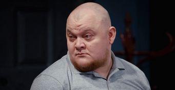 Дусмухаметов «задвигает» таланты на«ТНТ»: Михаил Стогниенко стал заложником 2-х ролей вшоу «Однажды вРоссии»