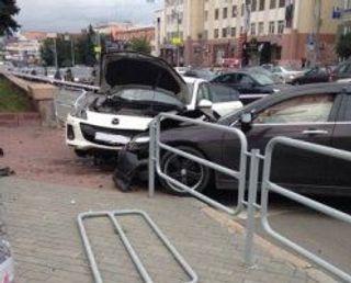 В Челябинске иномарка сбила женщину с ребёнком