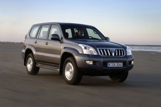 Фото: Toyota Land Cruiser Prado 120, источник: Toyota