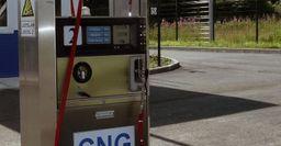 «За» и «против»: Автомобилисты отреагировали на повышение субсидий за переход с бензина на газ
