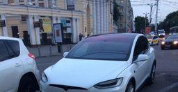 В Воронеже обнаружен кроссовер Tesla Model X P90D