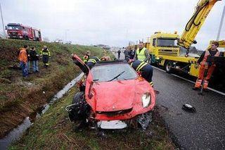В Тверской области автомобиль Ferrari 458 Spider вылетел в кювет