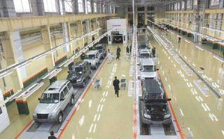 Приостановлена работа нескольких российских автоконцернов