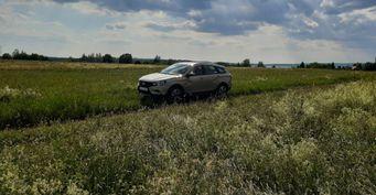 «Машина со своим характером»: Плюсы и минусы LADA Vesta SW Cross после 4 000 км озвучил владелец