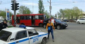 В Саратове в ДТП с участием пассажирского автобуса пострадал 6-летний мальчик