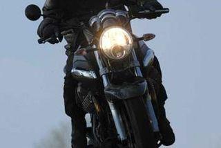 Пьяный житель Брянской области на мотоцикле въехал в дом знакомой