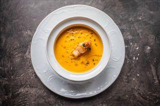 Так может выглядеть сочный ияркий суп настоле. Источник: restoclub.ru